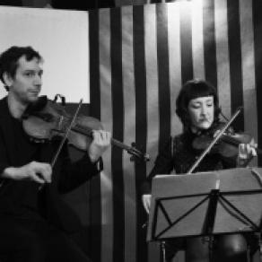 Promenade en pinot de Musique au Chambertin 2018 à VOSNE ROMANEE avec la participation musicale de : Fanny Sauvin et Pierre Olivier Fernandez Violon